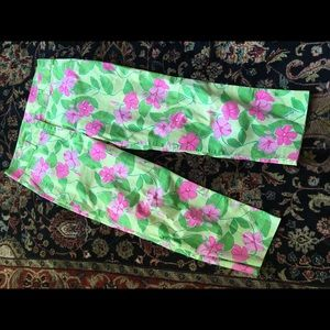 Lilly Pulitzer crop pants.  Size 8